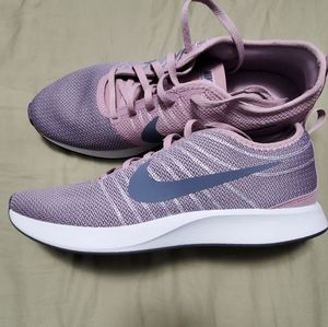 Women's Size 12 Nike Shoes